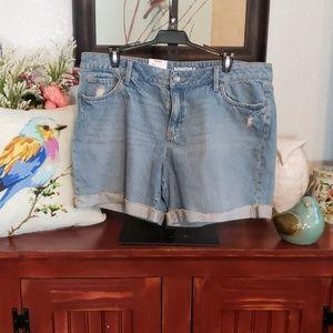 Sonoma Size 16 shorts